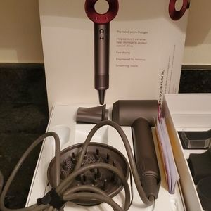 Dyson supersonic with box